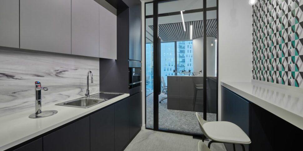 Love-that-design-Houlihan-Lokey-Office-Dubai-04-1024x640