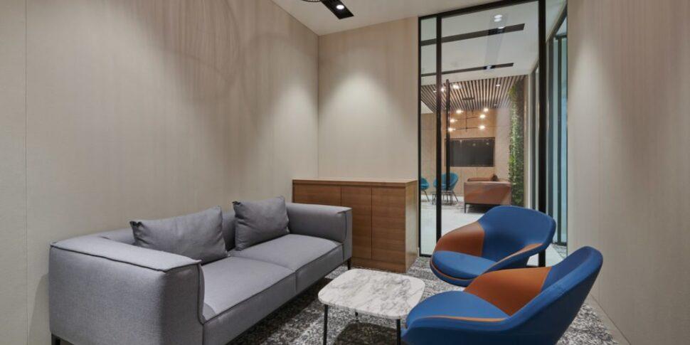 Love-that-design-Houlihan-Lokey-Office-Dubai-05-1024x683