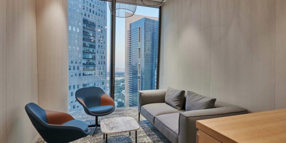 Love-that-design-Houlihan-Lokey-Office-Dubai-07-1024x683